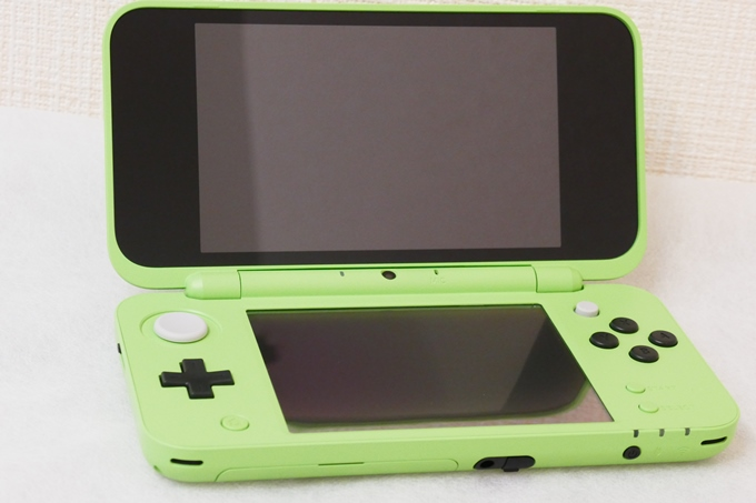 First Photos And Unboxing Of Minecraft New 2DS LL Creeper